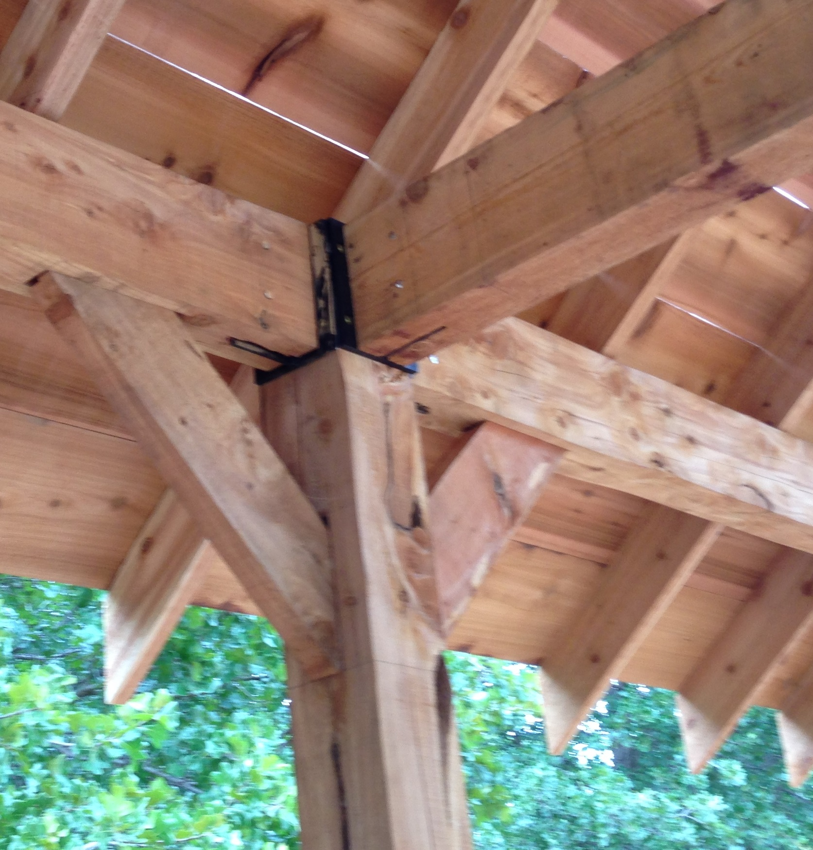 Red cedar post and beam construction elm tree garden for Post and beam construction